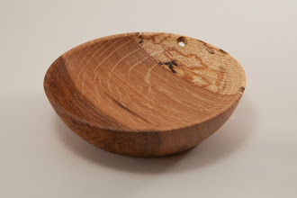 "Photo: Jeff Tate 4 1/2"" x 1 1/4"" bowl [Tudor Place oak]"