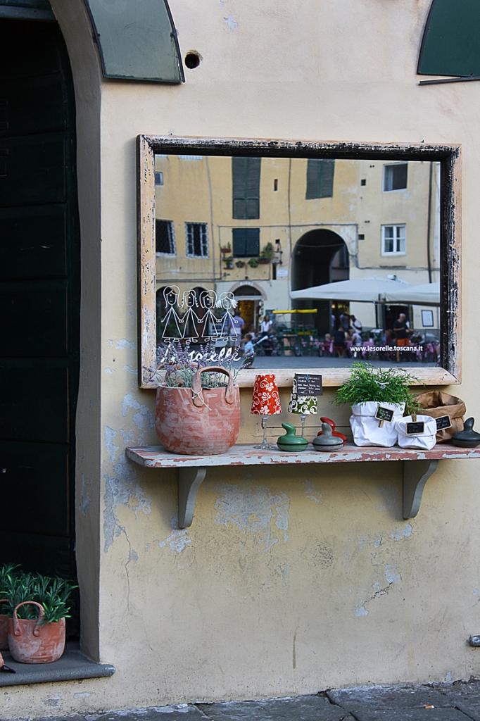 Allo specchio di Simona Rizzi