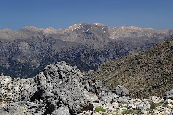 Aglomerarea de varfuri din Lefka Ori vazuta de pe vârf