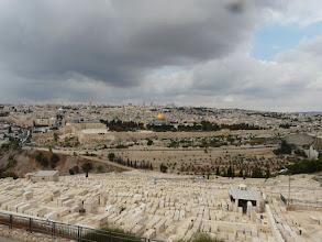 Photo: Zaterdag 9 okt. 2010. Donkere wolken boven Jeruzalem