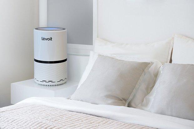 Oczyszczacz powietrza oparty na filtrach HEPA, umożliwiający uzyskanie skuteczności oczyszczania na poziomie ponad 99,9%.