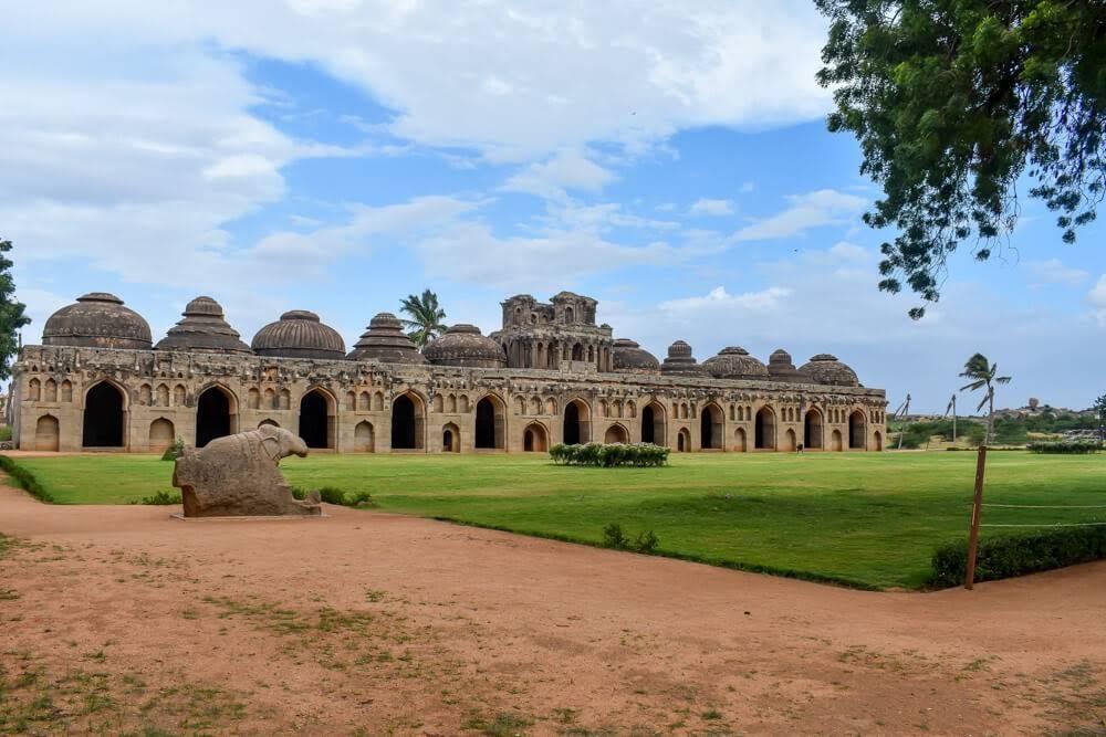 elephant+stable+hampi+ruins+karnataka