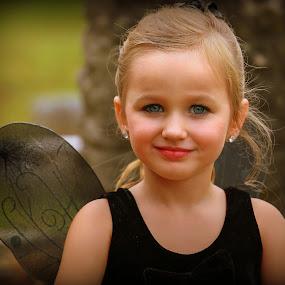 Sassy Couture Shootout Dark Beauty Memphis, TN by Billy Morris - Babies & Children Child Portraits ( sassy coutrue, cemetery, darkside, children, photoshoot, portrait, halloween )