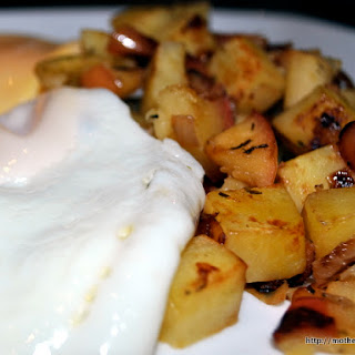 Mix It Up – Fried Eggs with Apple and Sweet Potato Hash