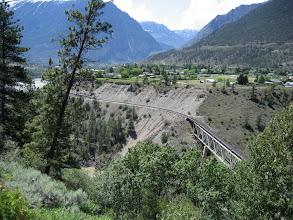 Photo: Tren yolu ve köy!