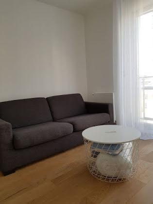 Location studio meublé 20,1 m2