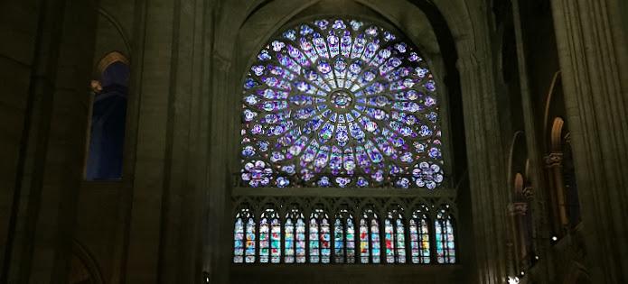 パリ一日観光コースノートルダム寺院バラ窓ステンドグラス