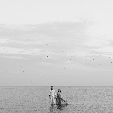 Bryllupsfotograf Roman Serov (SEROVs). Bilde av 02.04.2019