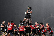 Naitoa Ah Kuoi of the Chiefs wins lineout ball during the round 8 Super Rugby Aotearoa match between the Chiefs and the Crusaders at FMG Stadium Waikato on August 01, 2020 in Hamilton, New Zealand.