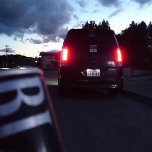 ヴォクシー AZR60G Z 中期のカスタム事例画像 ボロクシー山田さんの2018年09月22日18:03の投稿