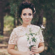 Wedding photographer Yana Krizhanovskaya (YanaKr). Photo of 10.08.2015