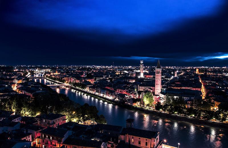 Verona in notturna di paolo_ross