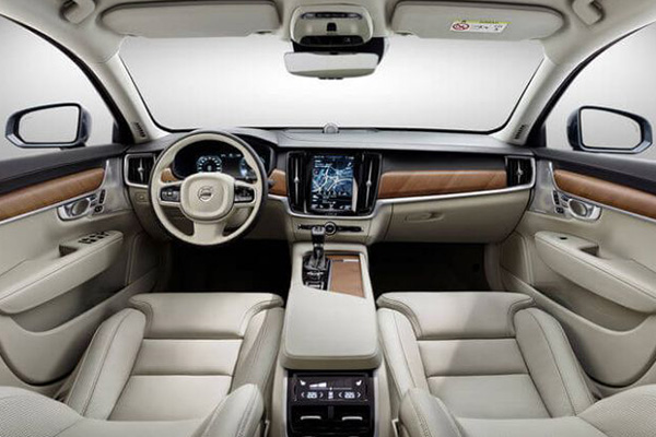 the-cabin-view-of-the-Volvo-XC90