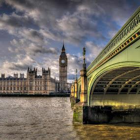 Westminster Bridge by Mark Shoesmith - Buildings & Architecture Bridges & Suspended Structures ( thames, london, westminster, bridge, big, ben, river,  )