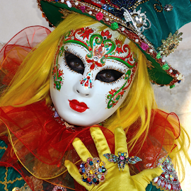 by Bruno Brunetti - People Musicians & Entertainers ( entertainers, venice, carnival, people, mask,  )