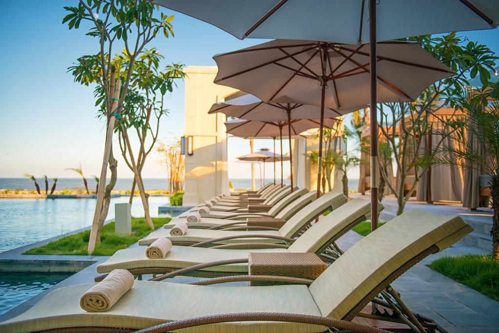 Bể bơi FLC Luxury Hotel Sầm Sơn