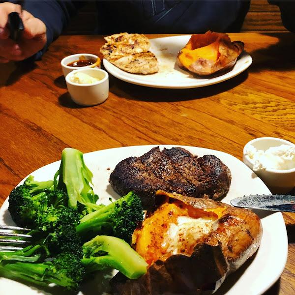Fillet mignon, sweet potato, & broccoli for dinner. Always great! Never cross-contamination!