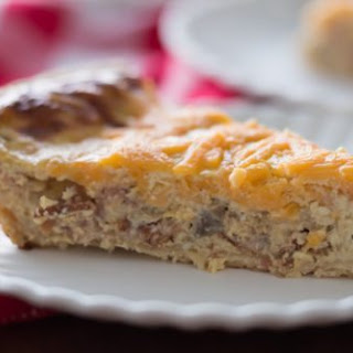 Easy Apple Caramelized Onion & Bacon Quiche
