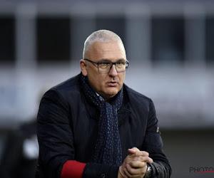 """Eric Van Meir blikt vooruit op Beerschot-Charleroi: """"Het is verrassend dat je nog kan meespelen"""""""