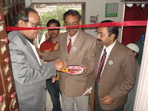 Photo: L - R: Dr. V. K. Jain, Dr. Atul Singhal and Dr. Rajeev Varshney