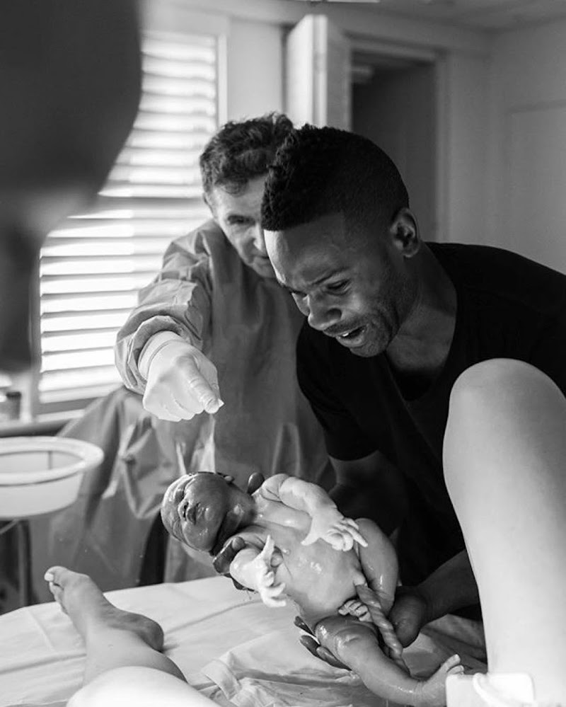 25 Magical Photos of Dads in the Delivery Room