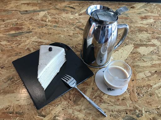 咖啡千層蛋糕 讓我好失望 吃沒幾口就好膩吃不下去,味道非常普通⋯環境是滿不錯的