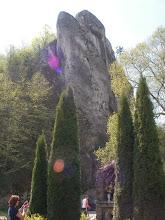 Photo: pod wysoką skałą