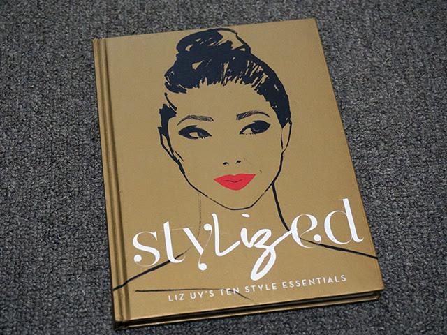 Beauty and Fashion Book: Stylized
