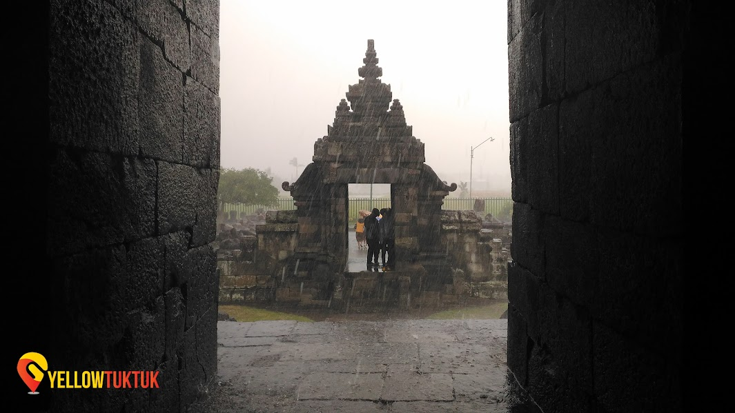view from inside candi plaosan temple
