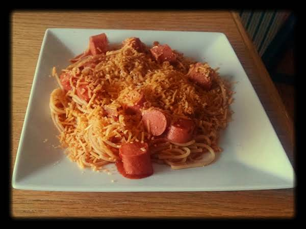 Chili Spaghetti With Hot Dogs Recipe