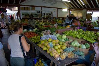 Photo: Tropikal meyva ve sebzeler Nesrin'İn başını döndürdü. Tropical vegetables and fruits made Nesrin go mad.