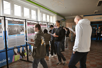 Photo: Putovní výstava Olga Havlová ve vzpomínkách přátel a fotografiích Bohdana Holomíčka (vestibul školy, pondělí 25. listopad - pátek 6. prosinec 2013).