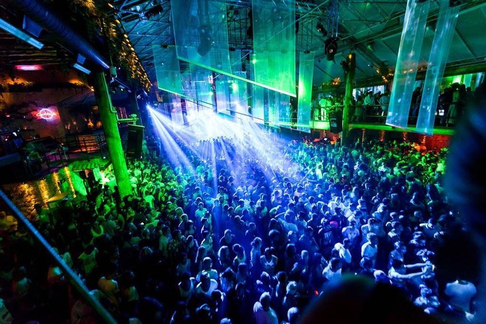 club-cabana-goa_image