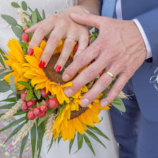Wedding photographer Mélanie Perrot (photomel). Photo of 30.03.2019
