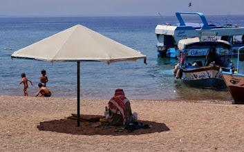 Photo: Locals enjoying the weather at Aqaba, Jordan