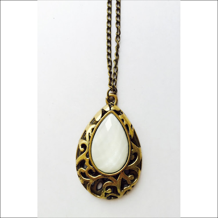 N019 - G. Secret Teardrop bottle Necklace