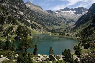 Photo: Alta Ribagorça:  estany Besiberri amb Besiberri nord al fons