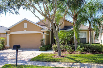 Orlando villa to rent, gated West Haven community, near Disney,west-facing pool and spa, games room