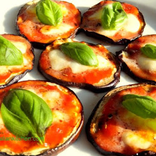 Eggplant Mini Pizza, the perfect finger food!