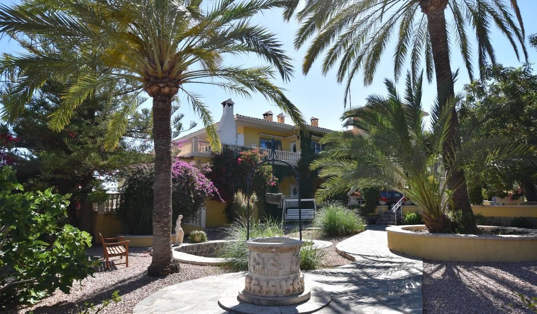 Chalet avec terrasse Alicante