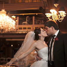 Wedding photographer Natalya Yadrenova (Yadruonova). Photo of 27.11.2013
