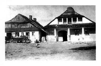 Photo: 10. Domy w Brzozdowcach - zdjęcie z Internetu. Houses in Brzozdowce (source: Internet). b.d.