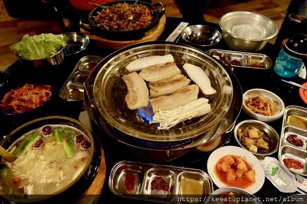 在地人極力推薦的道地韓國烤肉 豬八色韓式料理 @台南市 @中西區 @兌悅門