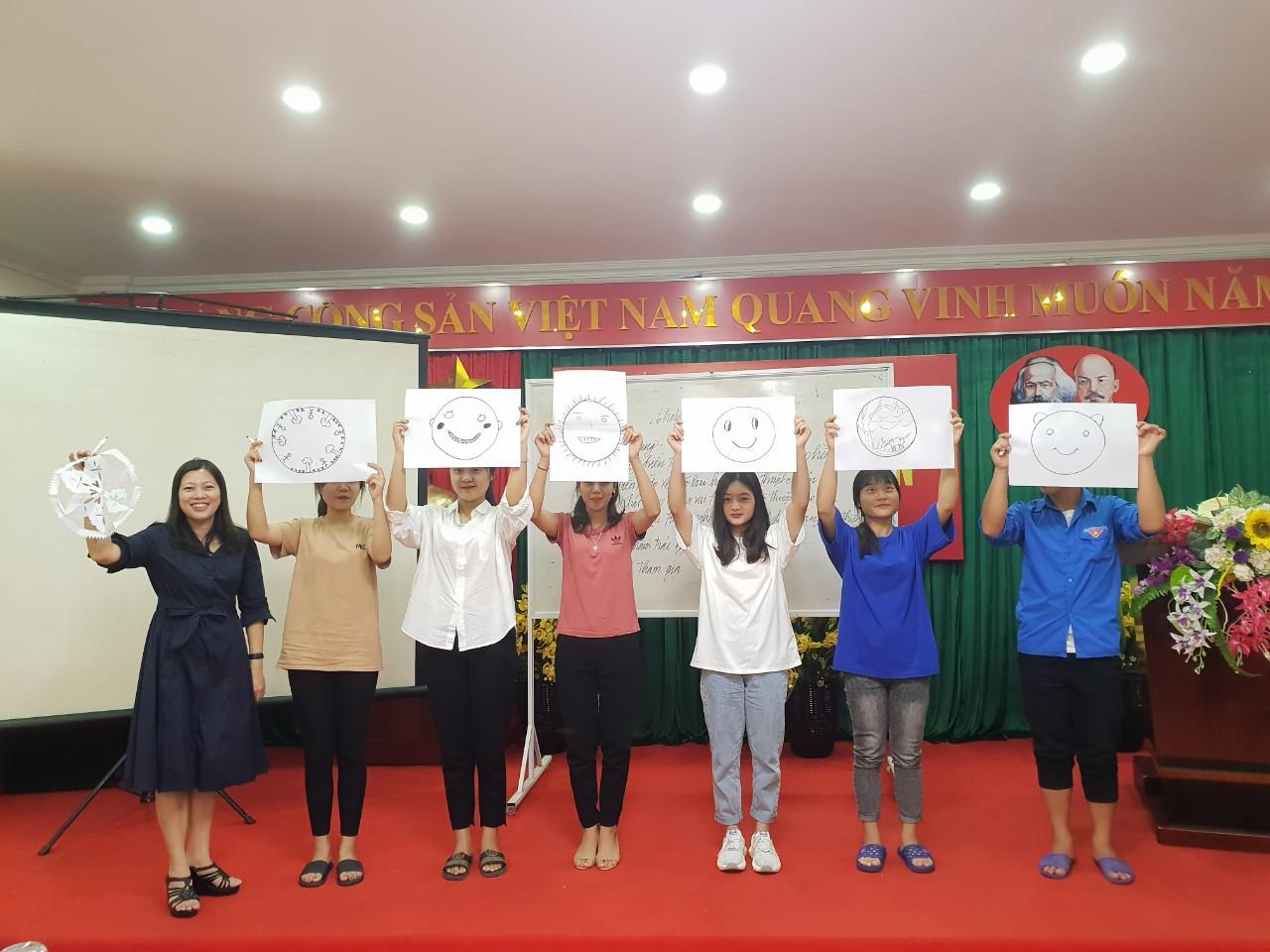 Tăng cường kiến thức xã hội và kỹ năng mềm cho sinh viên Phân hiệu Đại học Thái Nguyên tại tỉnh Lào Cai