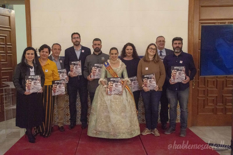 "Junta Central Fallera presenta el libro ""#Falles: Som Patrimoni"""