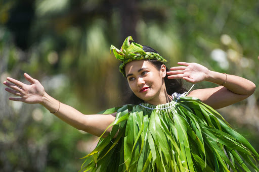 Ponant-French-Polynesia-woman.jpg - Visit small ports of call in French Polynesia and meet the locals on a Ponant cruise.