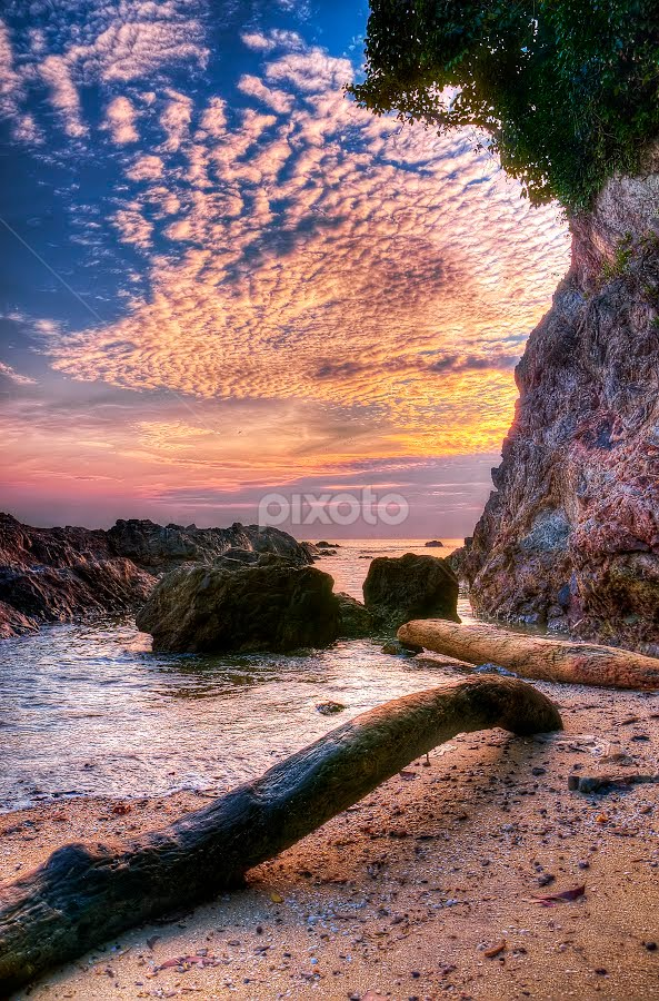 pagi... by Hamdi Aziz - Landscapes Waterscapes