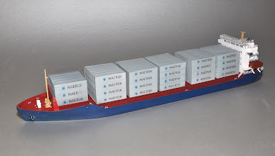Photo: Starboard Profile of Z Scale 375' Feeder Container Ship