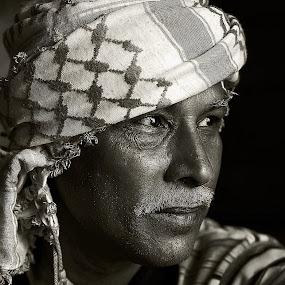 Kalambai by Leyon Albeza - People Portraits of Men
