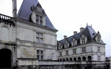 Photo: Chateau exterior